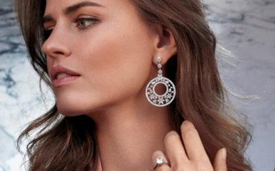 Online of bij de juwelier een verlovingsring kopen, wat is de beste keuze?